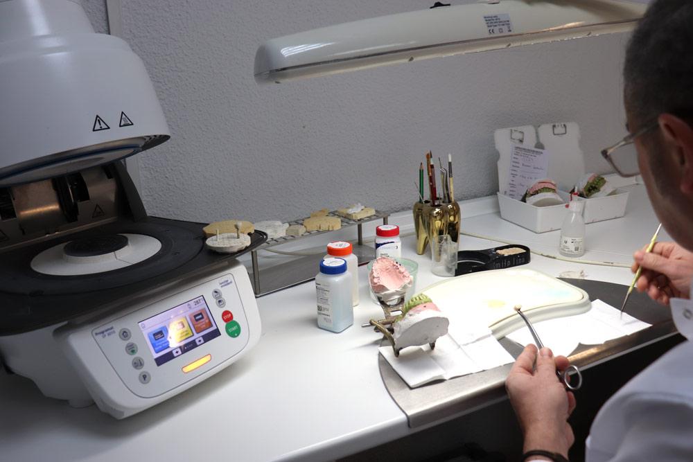Centro-Dental-Quijote21--Laboratorio-protesico